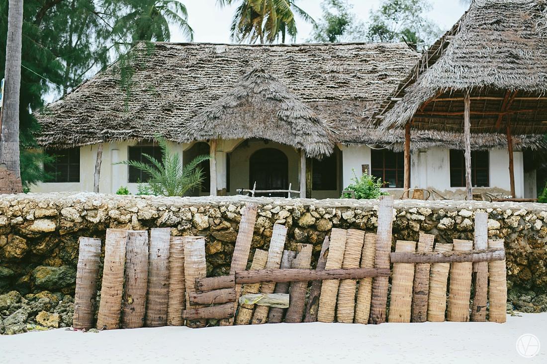 Vivid-blue-Zanzibar-wedding-Karafuu-Cobus-Cecilia-photography020