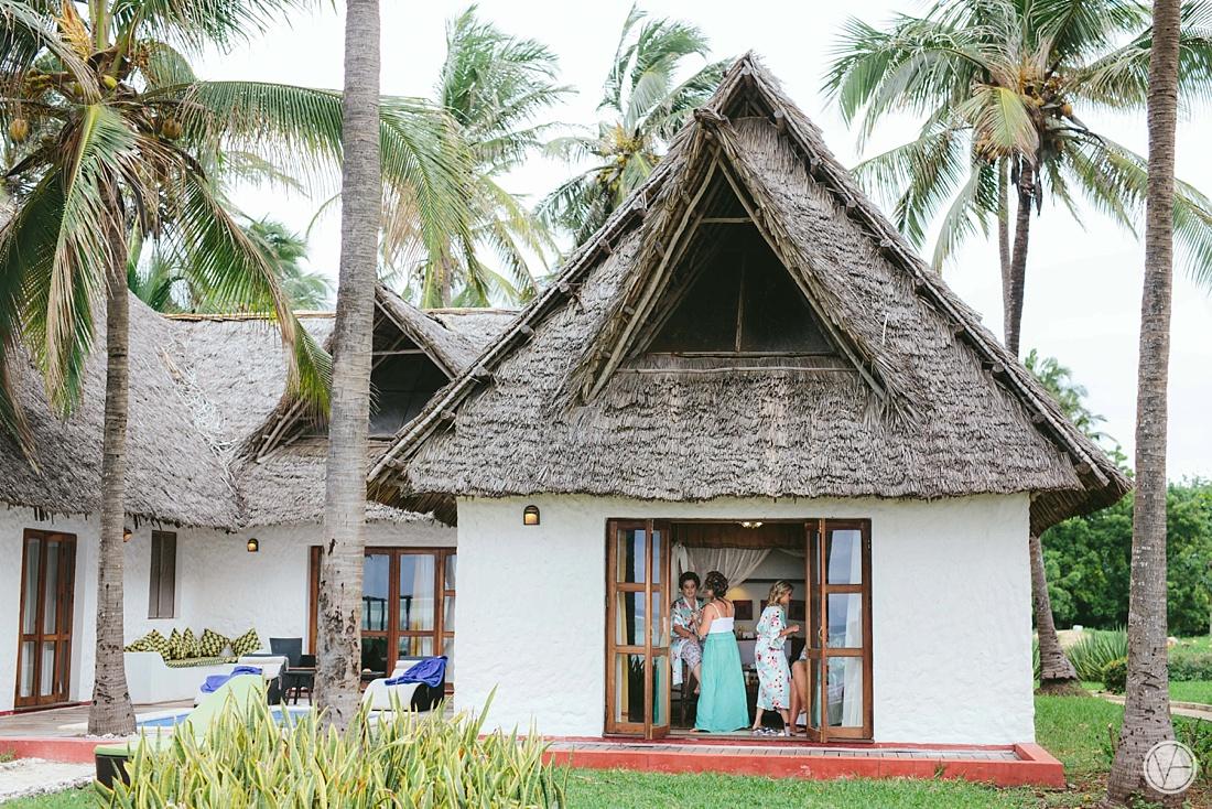 Vivid-blue-Zanzibar-wedding-Karafuu-Cobus-Cecilia-photography032