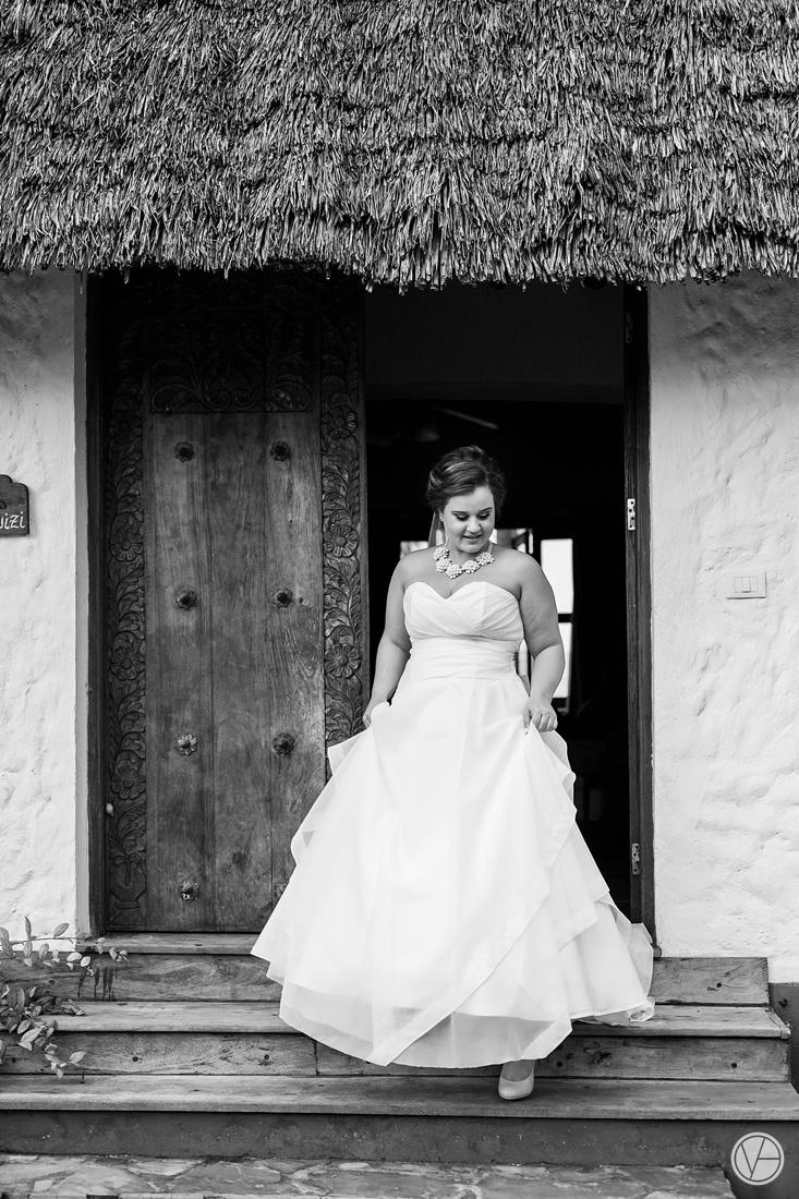 Vivid-blue-Zanzibar-wedding-Karafuu-Cobus-Cecilia-photography061