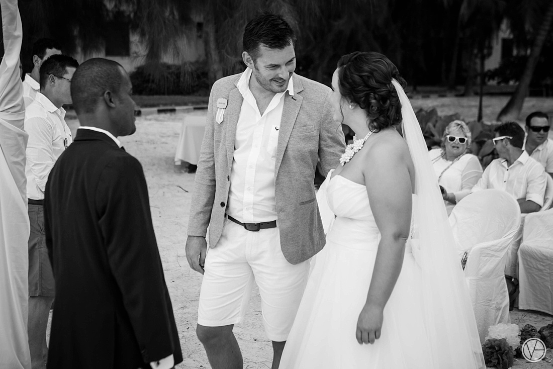 Vivid-blue-Zanzibar-wedding-Karafuu-Cobus-Cecilia-photography071