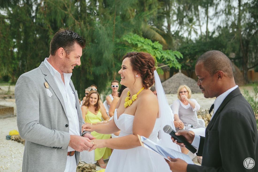 Vivid-blue-Zanzibar-wedding-Karafuu-Cobus-Cecilia-photography077