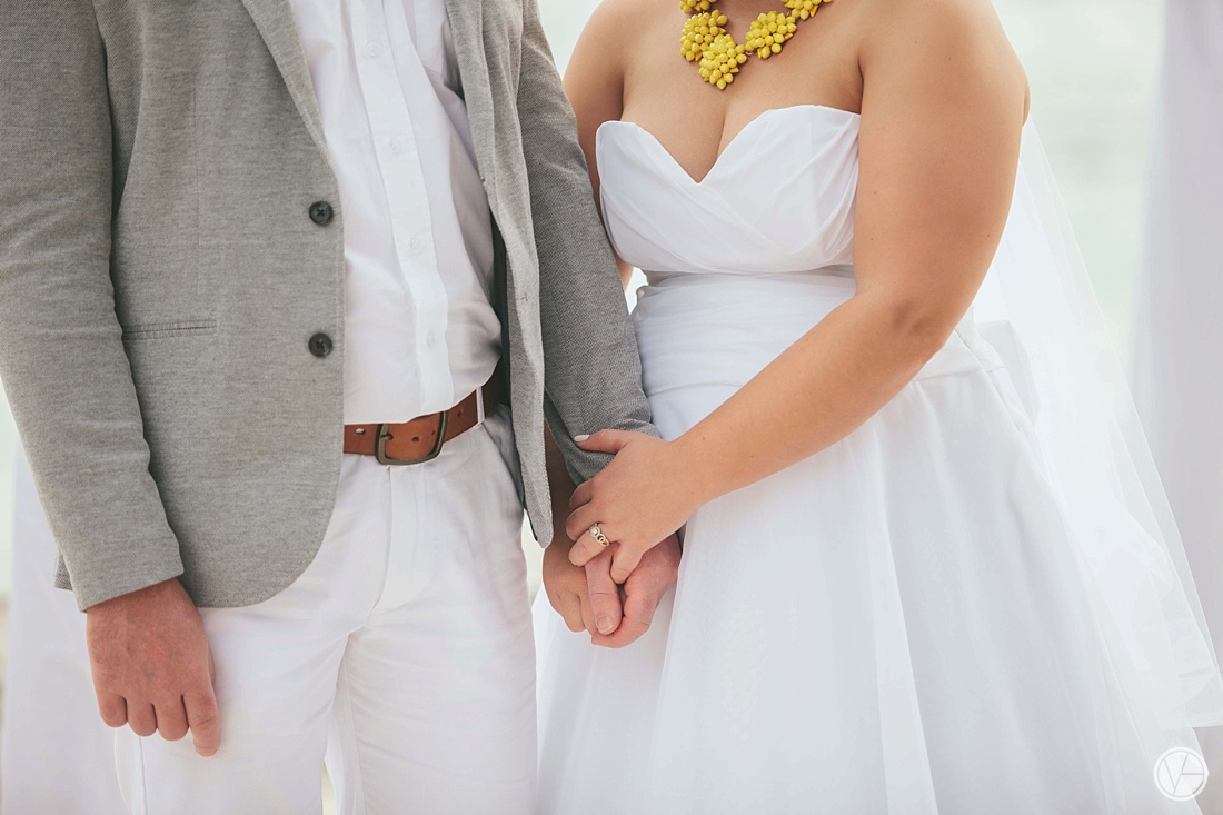 Vivid-blue-Zanzibar-wedding-Karafuu-Cobus-Cecilia-photography080