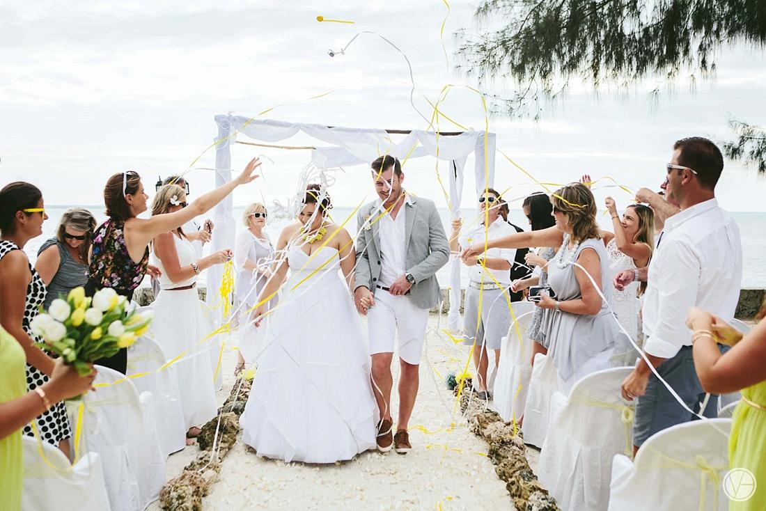 Vivid-blue-Zanzibar-wedding-Karafuu-Cobus-Cecilia-photography088