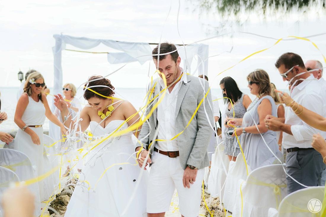 Vivid-blue-Zanzibar-wedding-Karafuu-Cobus-Cecilia-photography089
