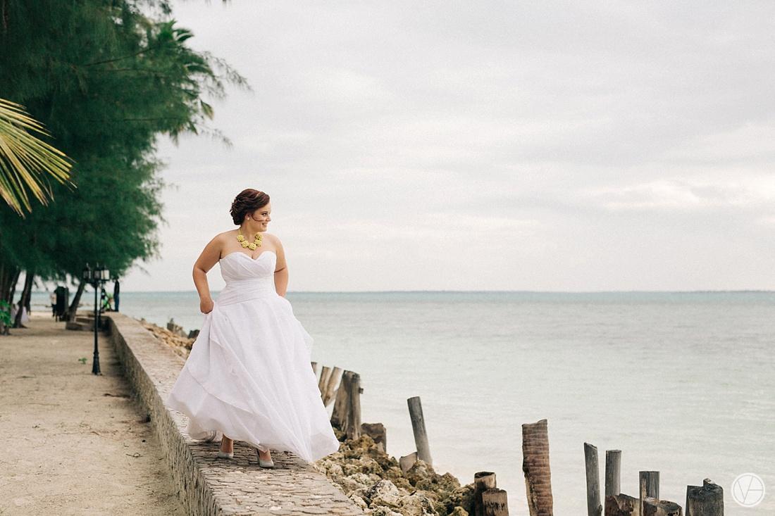 Vivid-blue-Zanzibar-wedding-Karafuu-Cobus-Cecilia-photography097