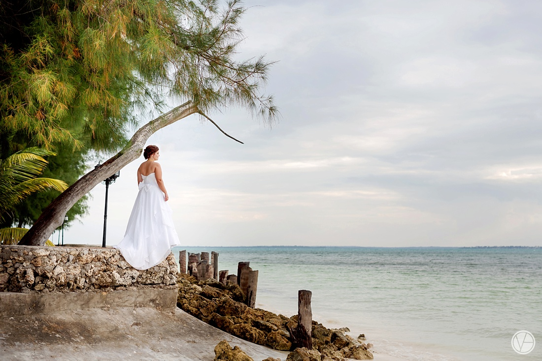 Vivid-blue-Zanzibar-wedding-Karafuu-Cobus-Cecilia-photography100