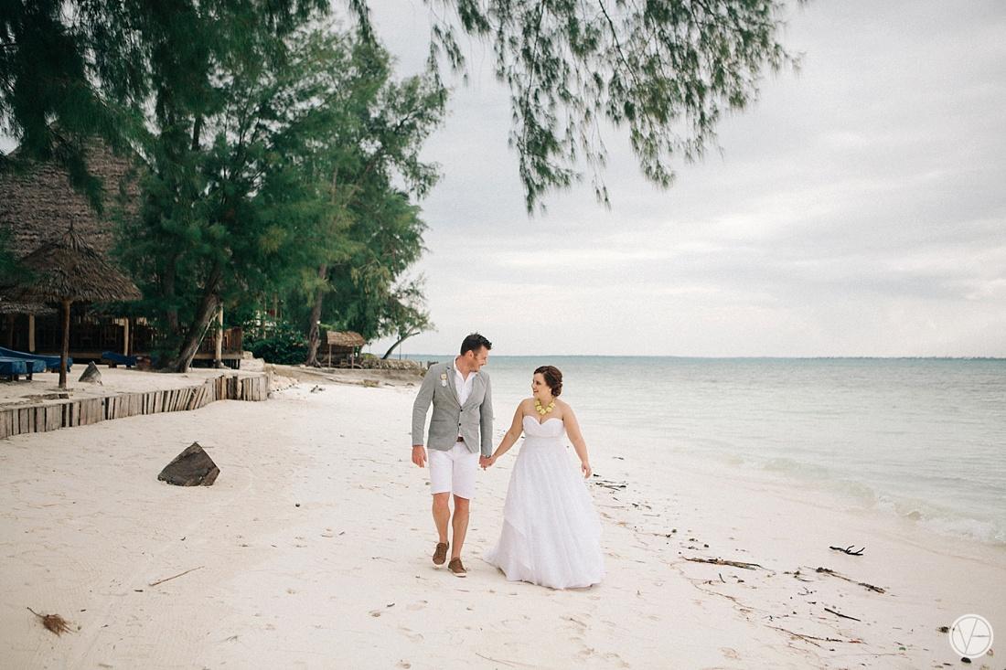 Vivid-blue-Zanzibar-wedding-Karafuu-Cobus-Cecilia-photography101
