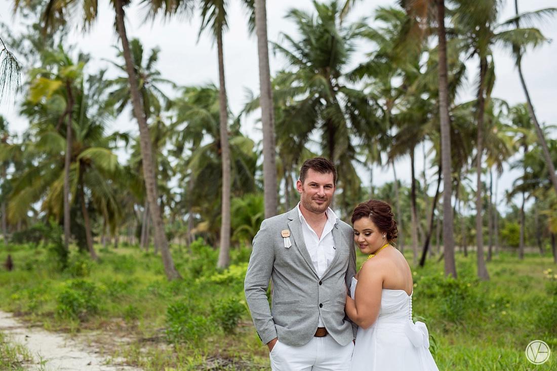 Vivid-blue-Zanzibar-wedding-Karafuu-Cobus-Cecilia-photography102