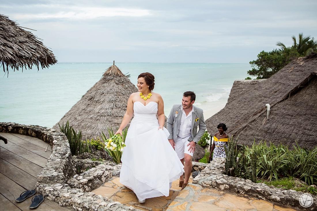 Vivid-blue-Zanzibar-wedding-Karafuu-Cobus-Cecilia-photography113