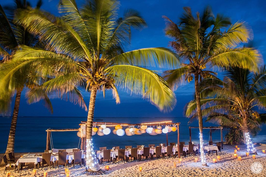 Vivid-blue-Zanzibar-wedding-Karafuu-Cobus-Cecilia-photography129