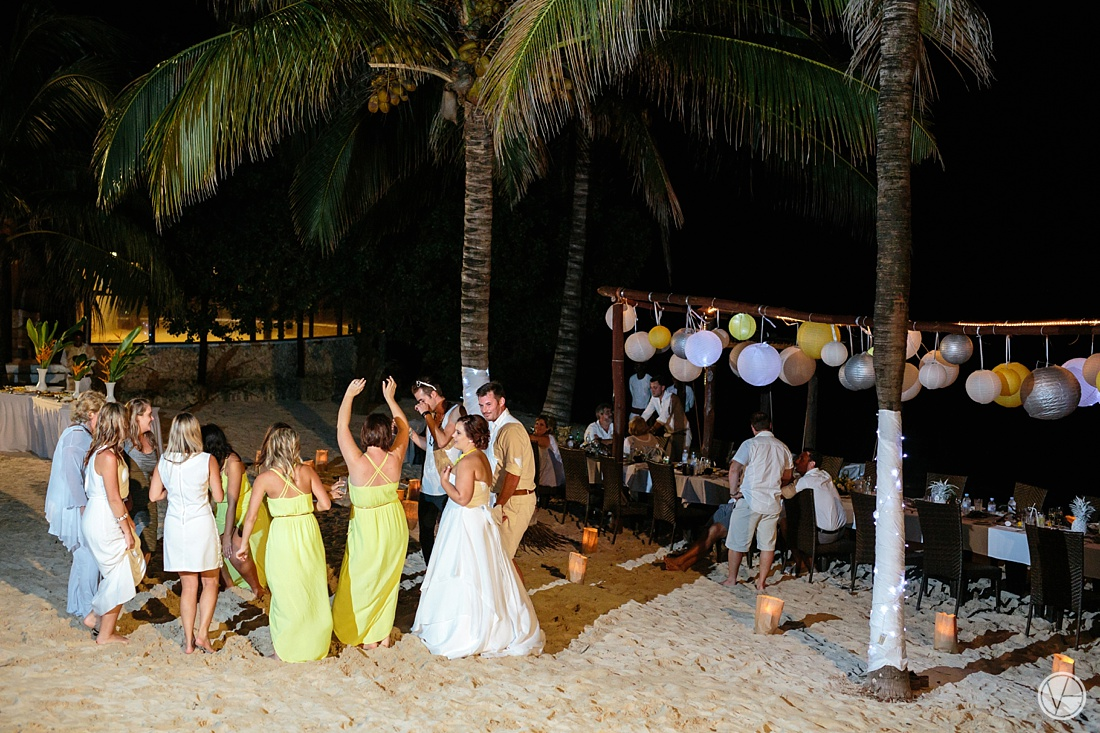 Vivid-blue-Zanzibar-wedding-Karafuu-Cobus-Cecilia-photography139