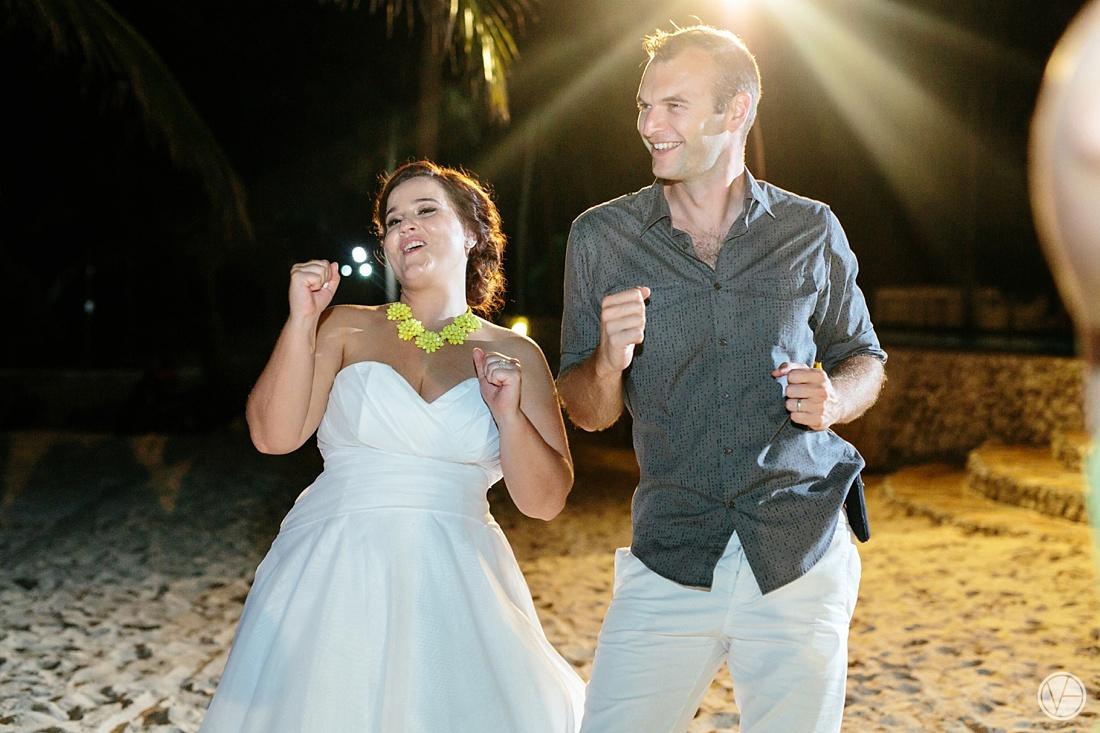 Vivid-blue-Zanzibar-wedding-Karafuu-Cobus-Cecilia-photography140