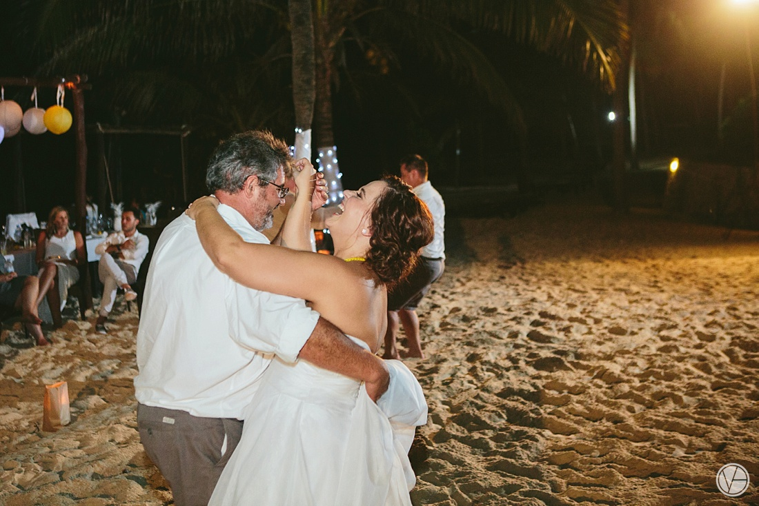 Vivid-blue-Zanzibar-wedding-Karafuu-Cobus-Cecilia-photography147