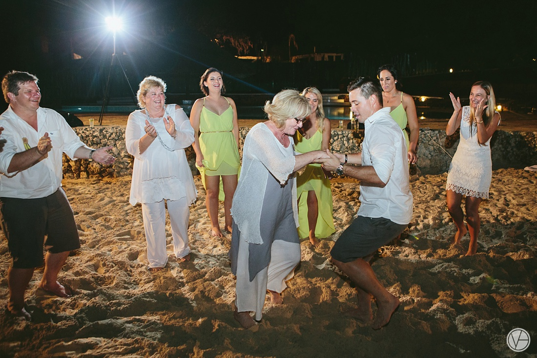 Vivid-blue-Zanzibar-wedding-Karafuu-Cobus-Cecilia-photography152