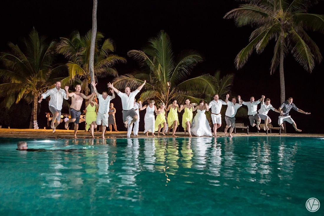 Vivid-blue-Zanzibar-wedding-Karafuu-Cobus-Cecilia-photography153