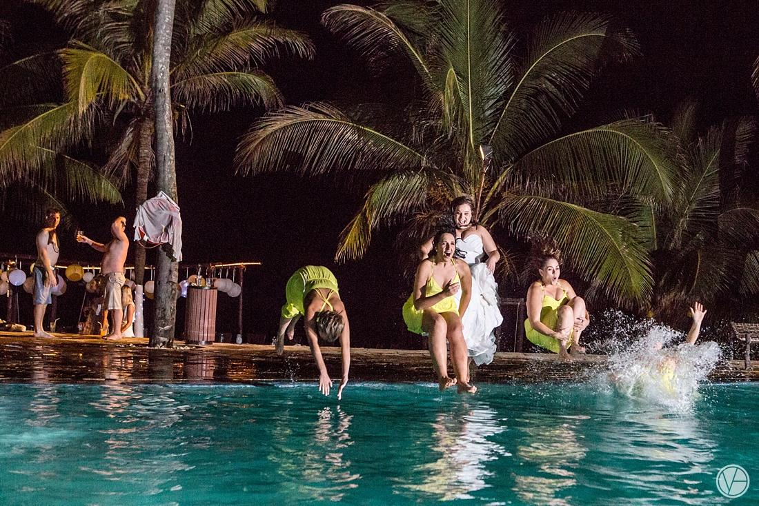 Vivid-blue-Zanzibar-wedding-Karafuu-Cobus-Cecilia-photography155