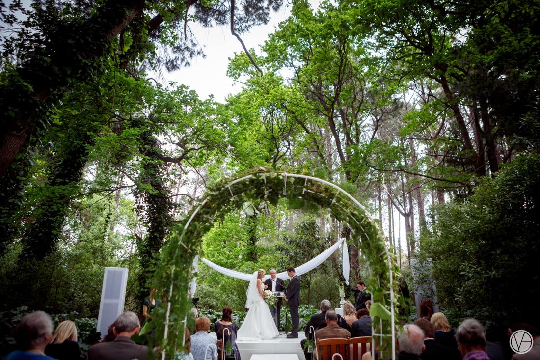 Vivid-Blue-Neil-and-Leana-Wedding-Lourensford-Photography044