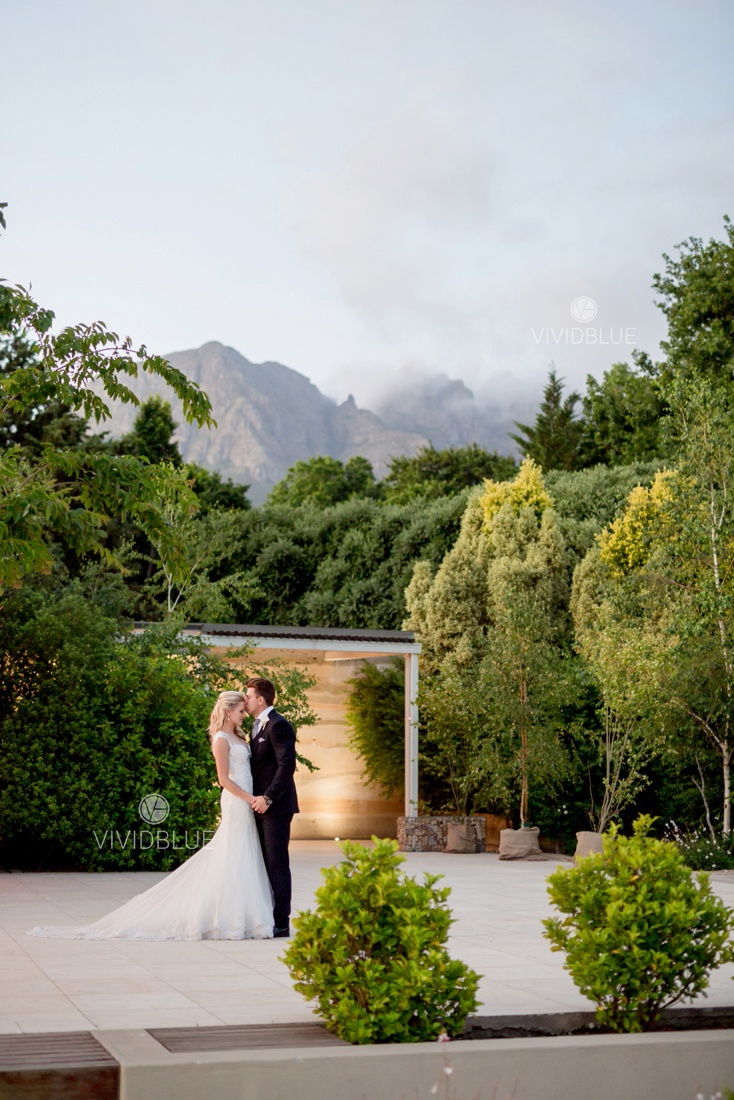 Vividblue-Wynand-olivier-Anri-Wedding-Lourensford_aleit-photography027