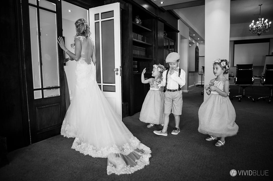 Vividblue-Wynand-olivier-Anri-Wedding-Lourensford-Aleit-Photography0034
