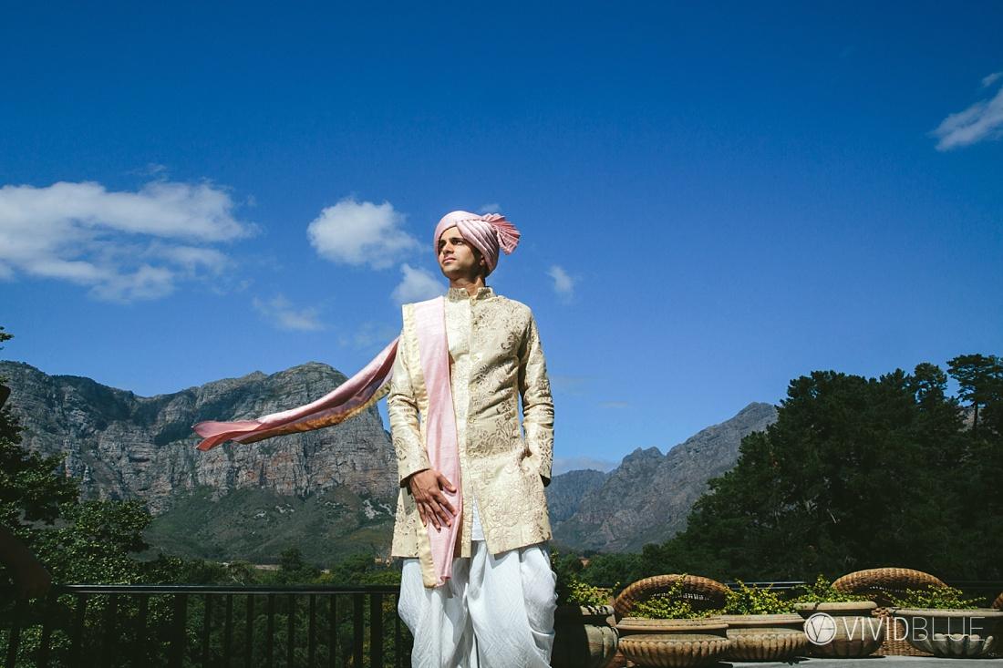 Vivid-Blue-Mishaan-Karina-Indian-Wedding-Molenvliet-Photography020