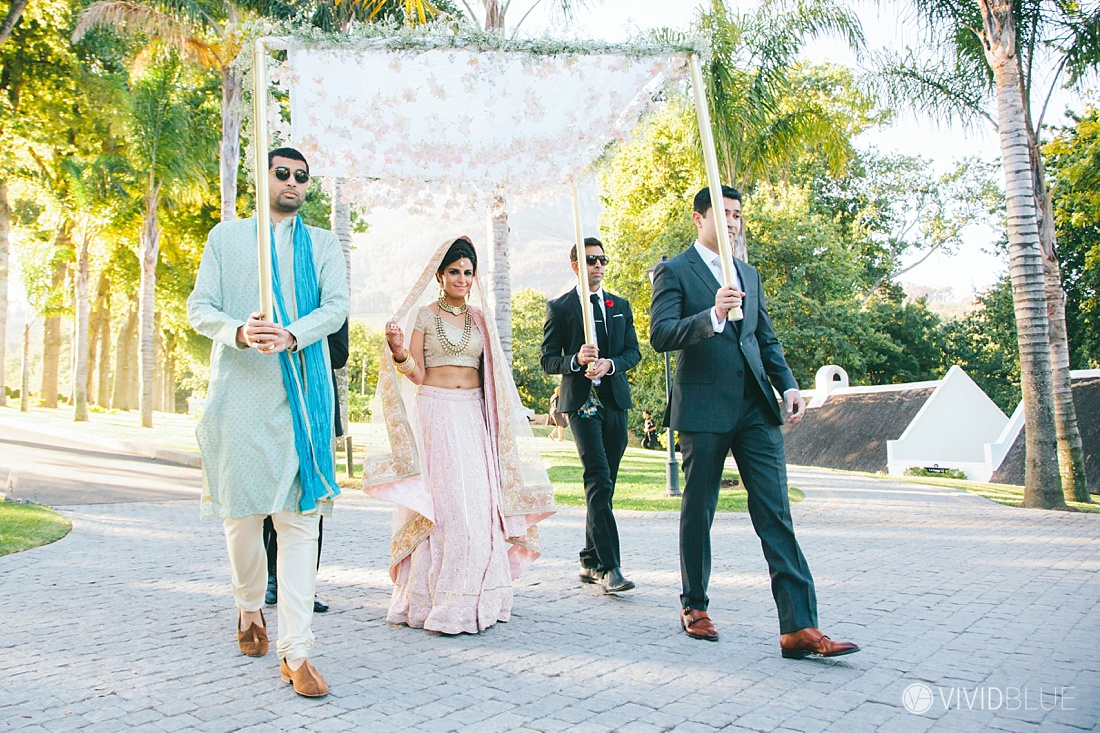 Vivid-Blue-Mishaan-Karina-Indian-Wedding-Molenvliet-Photography075
