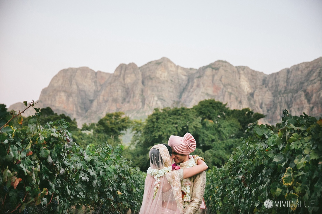 Vivid-Blue-Mishaan-Karina-Indian-Wedding-Molenvliet-Photography124