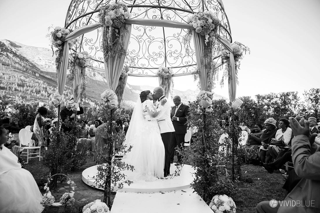 Vividblue-Zukile-Bongiwe-La-Paris-Wedding-Photography012