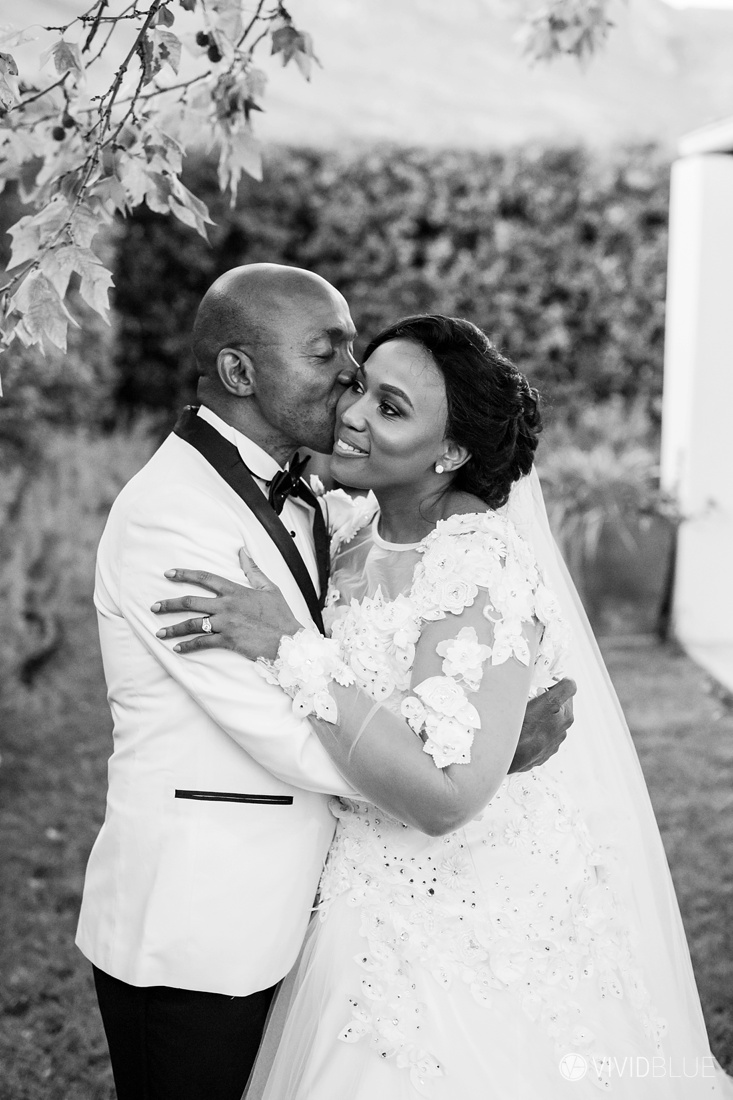 Vividblue-Zukile-Bongiwe-La-Paris-Wedding-Photography018